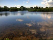 El lago limpio en Inglaterra Imagen de archivo