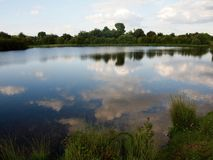 El lago limpio en Inglaterra Foto de archivo libre de regalías