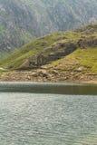 El lago LLyn Llydaw y la mina de cobre permanece en el soporte Snowdon Fotografía de archivo libre de regalías