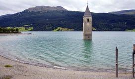 El lago Reisa, Trentino Italia Imagen del color Foto de archivo libre de regalías