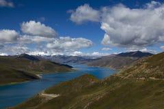 El lago sagrado fotografía de archivo