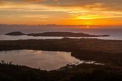 El lago sagrado y el mar fotografía de archivo