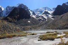 El lago secado de la montaña Foto de archivo libre de regalías
