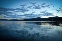 El lago Tahoe tranquilo imagenes de archivo