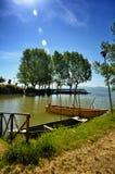 El lago Trasimeno está situado en el corazón verde de Umbría, Italia imagenes de archivo