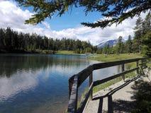 El lago two Jack, Alberta, Canadá Fotos de archivo