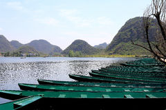 El lakeview hermoso en el condado del puzhehei, Yunnan, China Foto de archivo