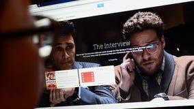 El lanzamiento de la entrevista en línea Imagen de archivo libre de regalías