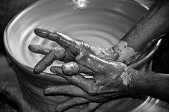 El lanzar de la cerámica Imágenes de archivo libres de regalías
