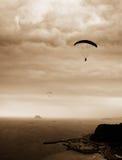 El lanzarse en paracaídas Fotos de archivo libres de regalías
