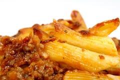 El lasagne italiano, pica la carne con la salsa de queso de las pastas Fotografía de archivo libre de regalías