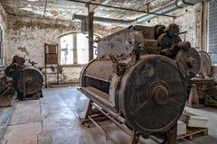 El lavadero en la isla de ellis abandonó cuartos del interior del hospital psiquiátrico fotos de archivo