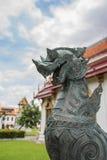 El león en el templo tailandés Foto de archivo libre de regalías