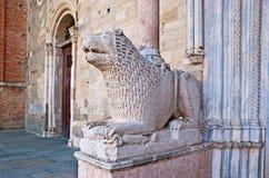 El león en la catedral de Parma Imagen de archivo