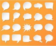 El Libro Blanco brillante burbujea para el discurso en un fondo anaranjado Imagenes de archivo