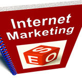 El libro de la comercialización del Internet muestra SEO Imagenes de archivo
