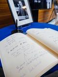 El libro de los condoleances para Helmut Kohl en el Parlamento Europeo Fotografía de archivo