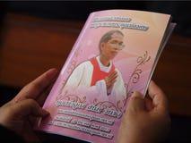 El libro está de luto para el sacerdote Luca Santi Wancha Fotografía de archivo libre de regalías