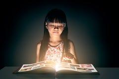 El libro mágico foto de archivo