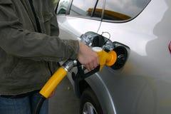 El llenarse del combustible Fotografía de archivo libre de regalías