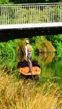 El llevar en batea en el río Christchurch - Nueva Zelanda de Avon Foto de archivo