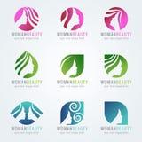 El logotipo de la cara y del pelo de la belleza de la mujer vector diseño determinado Fotos de archivo