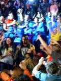 El luchador Roman Reigns camina a través de la muchedumbre al anillo imágenes de archivo libres de regalías