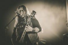 El mago eléctrico, Justin Oborn vive en el concierto 2017 Imagenes de archivo