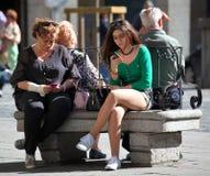 El mandar un SMS Fotografía de archivo