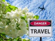 El manzano floreciente del viaje del peligro de la muestra y lanzamiento del avión libre illustration