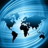 El mapa del mundo en un fondo tecnológico, brillando intensamente alinea los símbolos de Internet, de la radio, de la televisión, Fotos de archivo