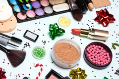 El maquillaje chispeante de la Navidad, día de fiesta brillante compone - para cerrarse para arriba imagen de archivo libre de regalías