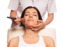 El maquillaje profesional y se ruboriza Fotos de archivo
