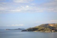 El mar adriático cerca Plat dalmatia Croacia imagen de archivo