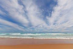 El mar agita en el cabo Woolamai Foto de archivo libre de regalías