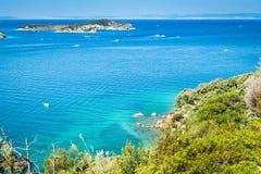 El mar cristalino que rodea la isla de Rab, Croacia Imagen de archivo