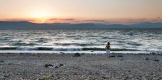 Tormenta de la tarde en el mar del ââGalilee. Israel. Foto de archivo