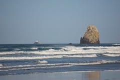 El mar de la costa de Oregon apila II fotografía de archivo libre de regalías