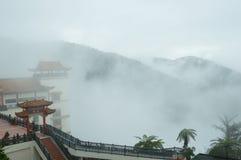 El mar de la niebla en el swee de Chin excava el templo, montañas Malasia de Genting Foto de archivo libre de regalías