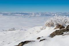 El mar de la niebla, paisaje en invierno foto de archivo