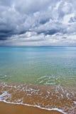 El mar debajo de las nubes Foto de archivo