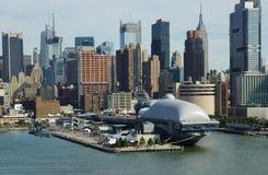 El mar, el aire y el museo espacial intrépidos New York City Fotografía de archivo