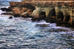 El mar excava cerca del cabo Greko Fotografía de archivo libre de regalías