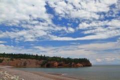 El mar excava el emplazamiento turístico en St Martins New Brunswick Imagenes de archivo