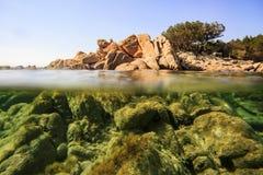 El mar hermoso de Cerdeña foto de archivo libre de regalías