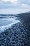 El mar resuelve el agua de la rotura Fotografía de archivo libre de regalías