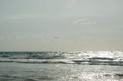 El mar y el sol terminan la nube Foto de archivo libre de regalías