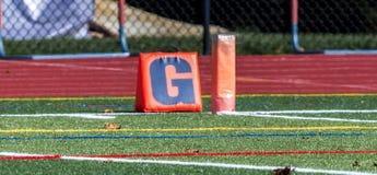El marcador de la línea de meta del fútbol Foto de archivo