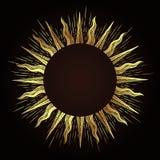 El marco antiguo adornado del estilo de la aguafuerte del oro en una forma del sol irradia el ejemplo dibujado mano del vector ilustración del vector