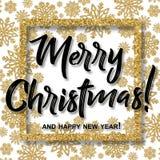 El marco de la Navidad con los copos de nieve del oro y la Feliz Año Nuevo del Feliz Navidad y mandan un SMS Imagen de archivo libre de regalías
